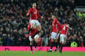 MANCHESTER, ENGLAND - JANUARY 15:  Zlatan Ibrahimovic of Manchester United celebrates scoring his team's first goal to make the score 1-1 during the Premier League match between Manchester United and Liverpool at Old Trafford on January 15, 2017 in Manchester, England.  (Photo by James Baylis - AMA/Getty Images)