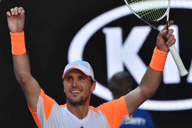 Germany's Mischa Zverev celebrates his victory against Britain's Andy Murray during their men's singles fourth round match on day seven of the Australian Open tennis tournament in Melbourne on January 22, 2017. / AFP / PAUL CROCK / IMAGE RESTRICTED TO EDITORIAL USE - STRICTLY NO COMMERCIAL USE (Photo credit should read PAUL CROCK/AFP/Getty Images)