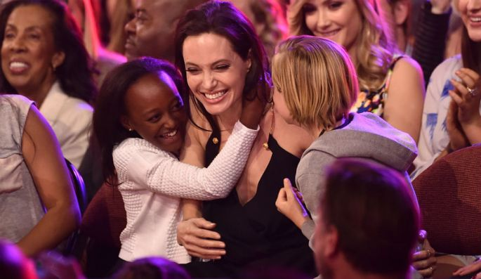 angelina-jolie-kids-at-nick-event